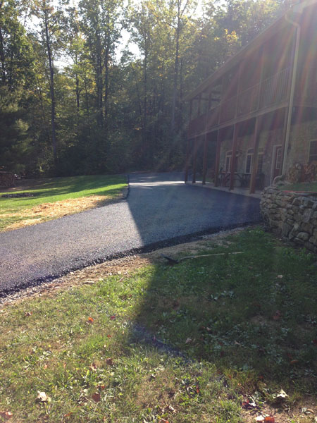 Middleburg cabin driveway